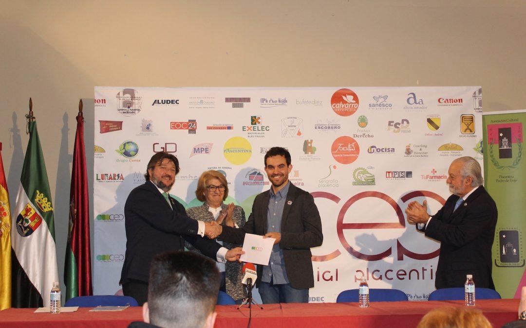 Carlos Marín recibe en Plasencia el X Premio de Investigación Histórica «Pedro de Trejo»
