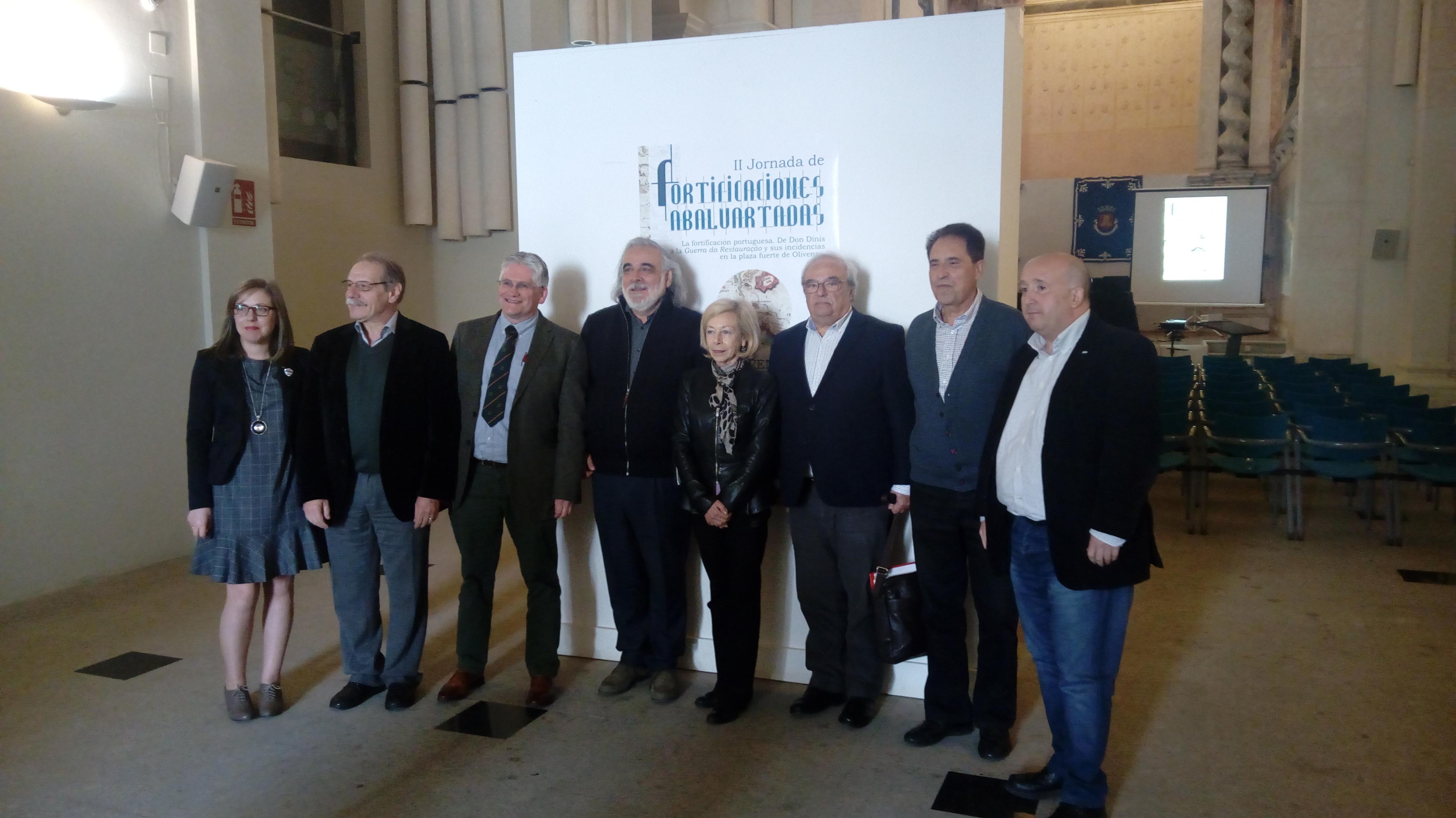 Fotografía de grupo en la II Jornada Fortificaciones Abaluartas de Olivenza (Badajoz)