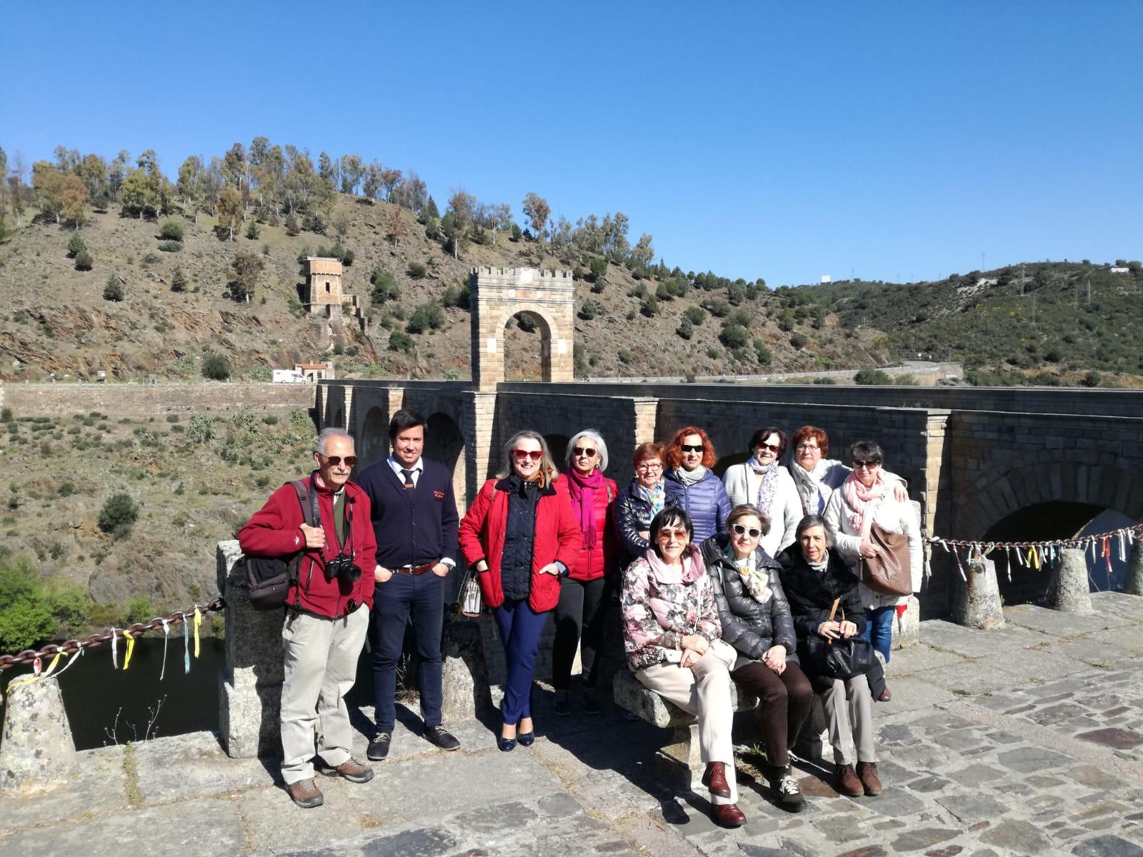 Viaje con Historia con UNED Senior de Asturias en el Puente de Alcántara